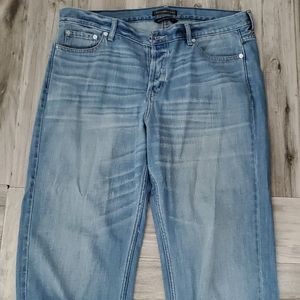 Abercrombie & Fitch signature collection jeans 32